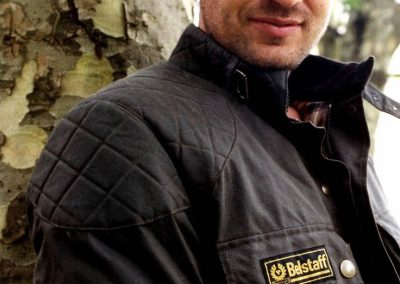 Gerard Butler accidente de moto (10)