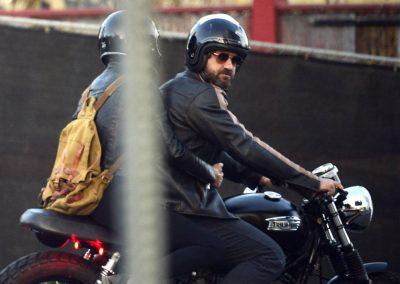 Gerard Butler accidente de moto (5)