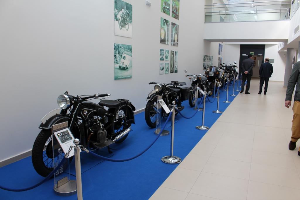 Motos BMW con motor de avión y coche MotorADN (11)