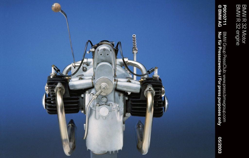 Motos BMW con motor de avión y coche MotorADN (15)