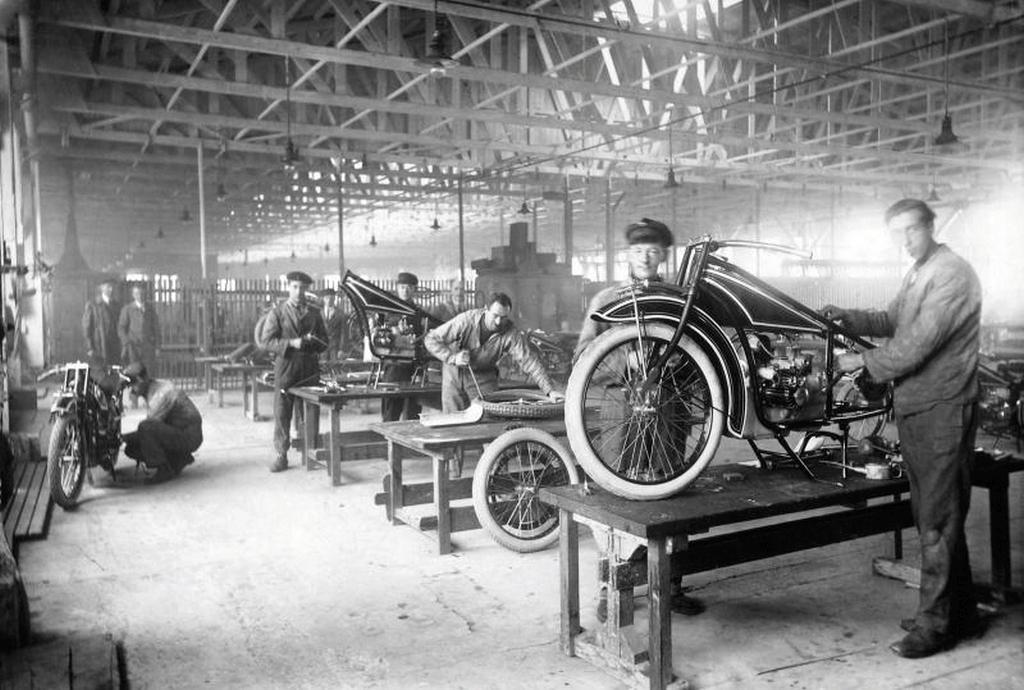 Motos BMW con motor de avión y coche MotorADN (9)