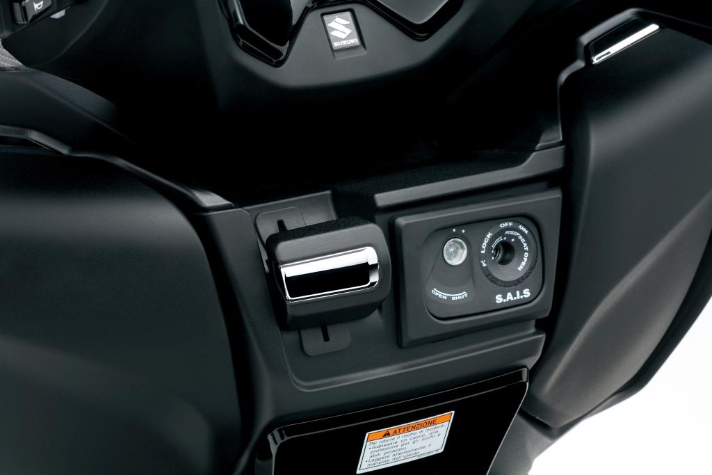 Suzuki Burgman 400 2017 presentación MotorADN (6)