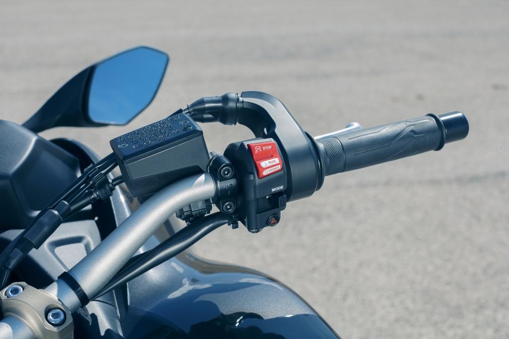 Yamaha Niken 2018 MotorADN (19)