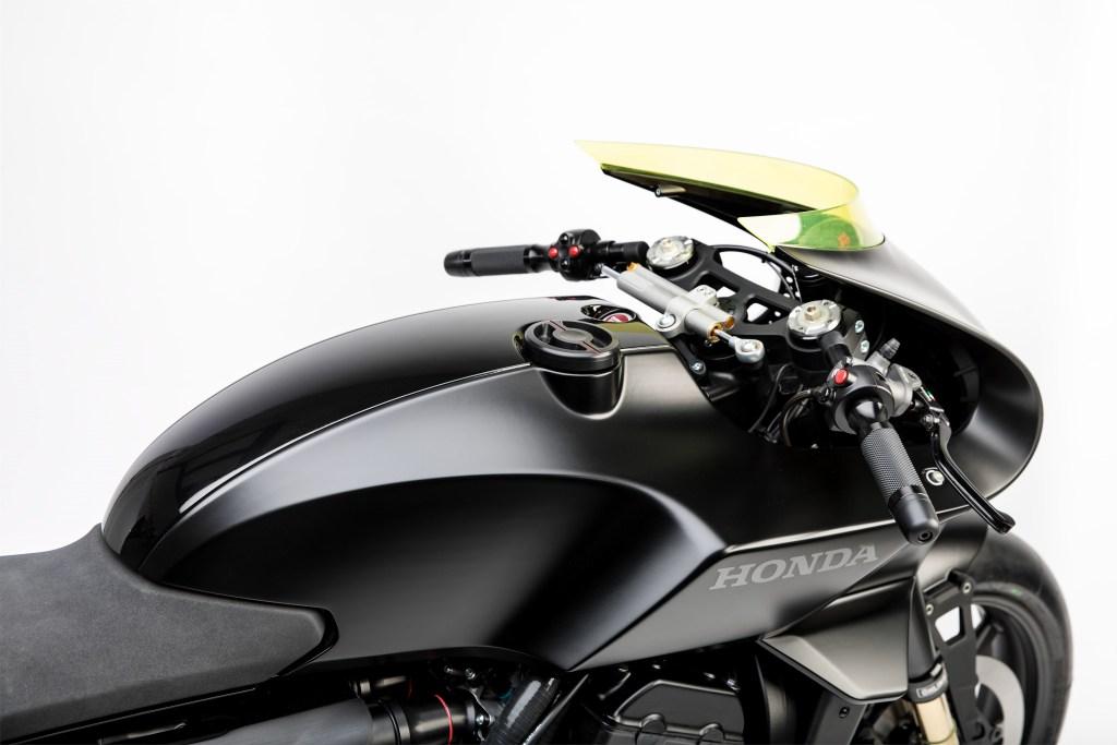 Honda CB4 'Interceptor' Concept 2017 MotorADN red (11)