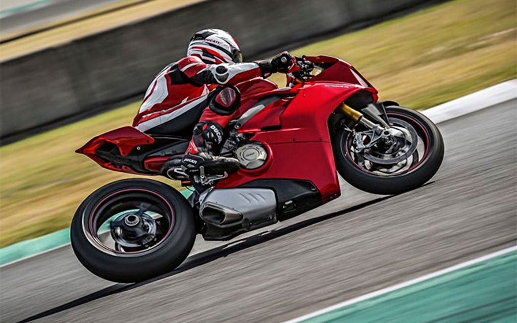 Motos 2018: ¡Ducati PANIGALE V4 CON 226 CV!