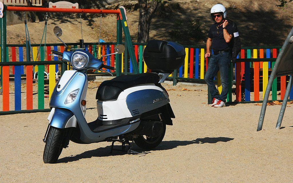 Motos para regalar Navidad 2017: 5 scooter vintage 125