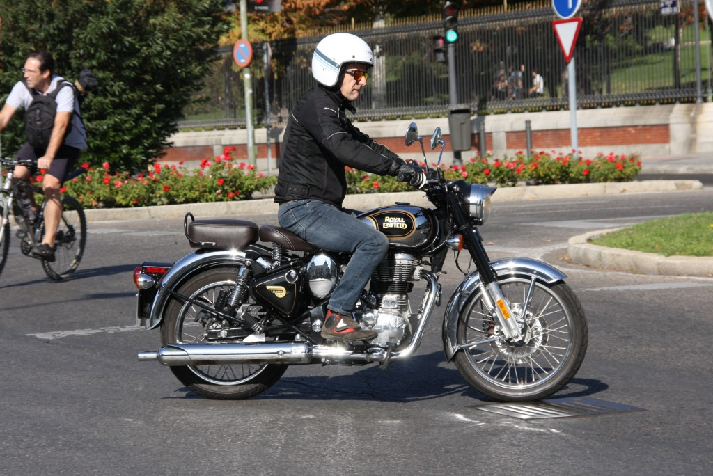 Royal Enfield Classic 500 Chrome 2017 MotorADN (37)