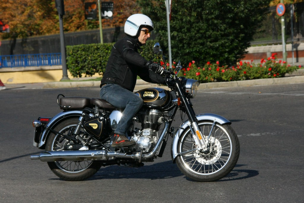 Royal Enfield Classic 500 Chrome 2017 MotorADN (40)