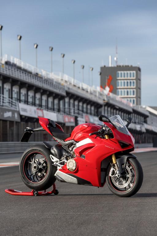 Ducati Panigale V4 presentación prensa Cheste 2018 MotorADN (117)