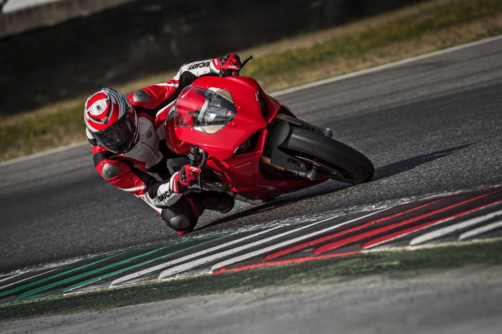 Ducati Panigale V4 presentación prensa Cheste 2018 MotorADN (38)