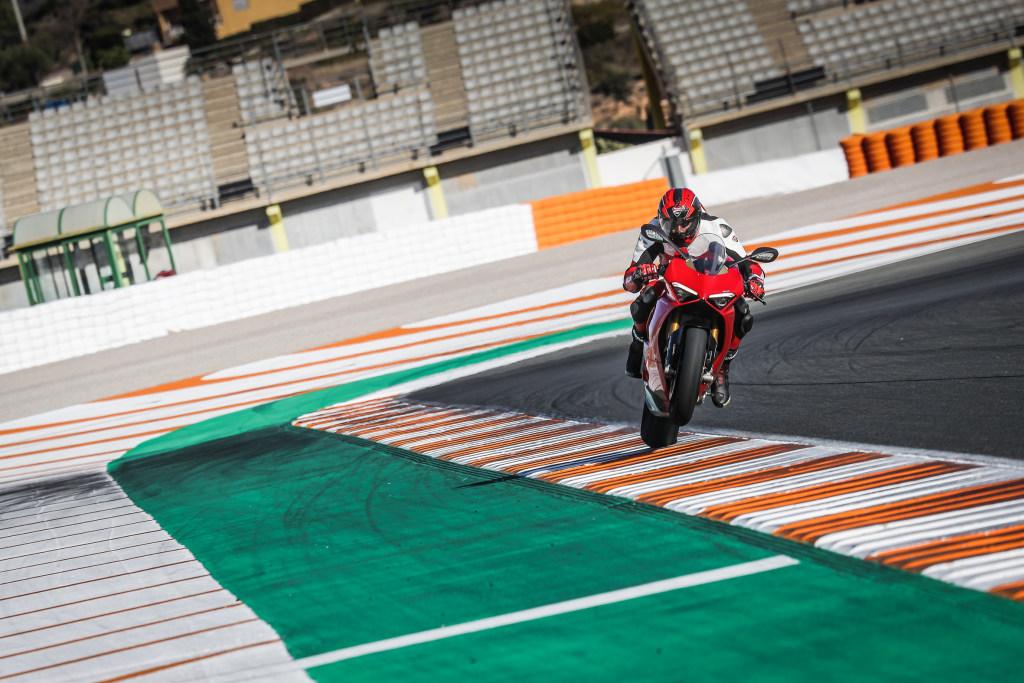 Ducati Panigale V4 presentación prensa Cheste 2018 MotorADN (4)