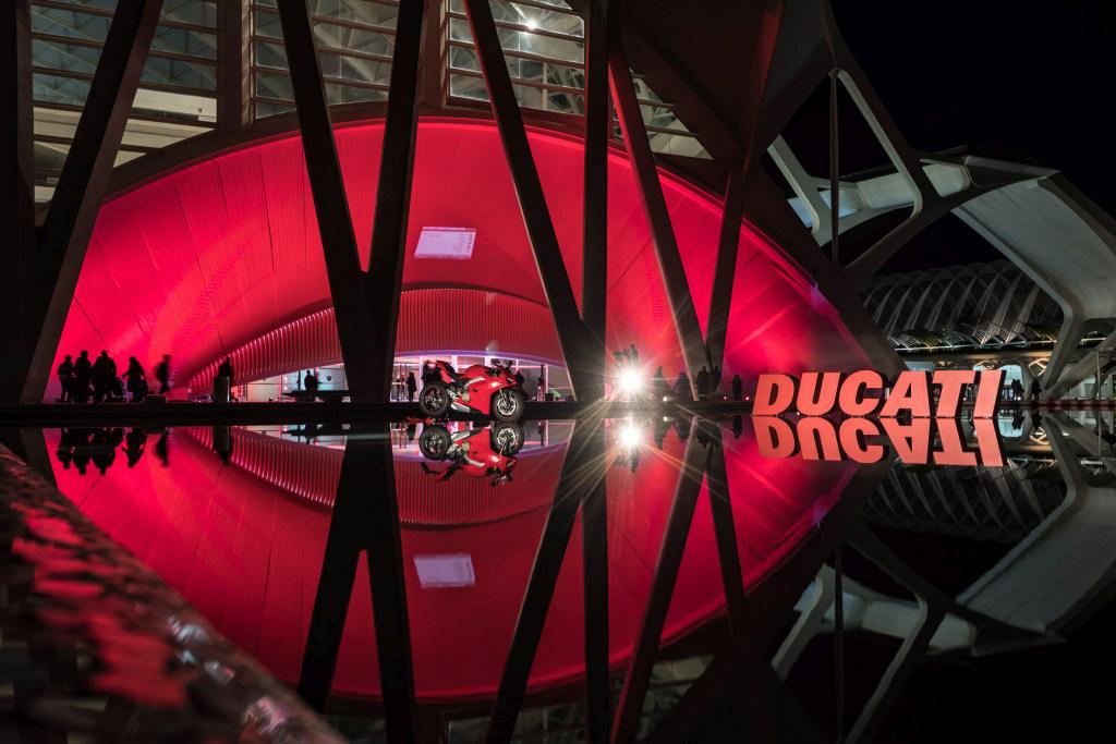 Ducati Panigale V4 presentación prensa Cheste 2018 MotorADN (76)