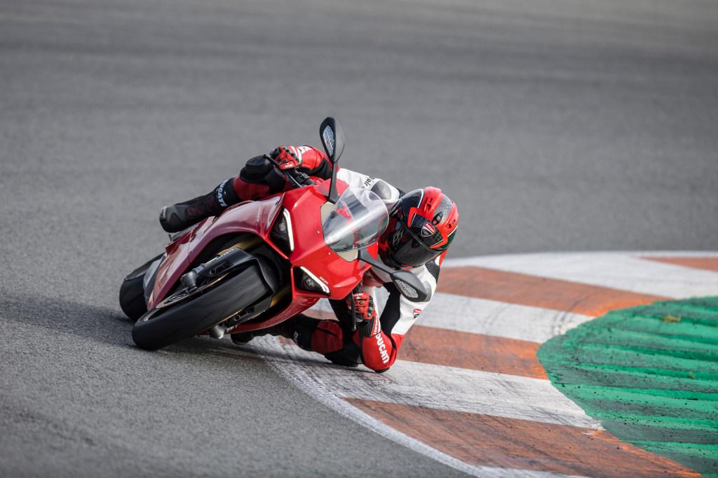 Ducati Panigale V4 presentación prensa Cheste 2018 MotorADN (8)