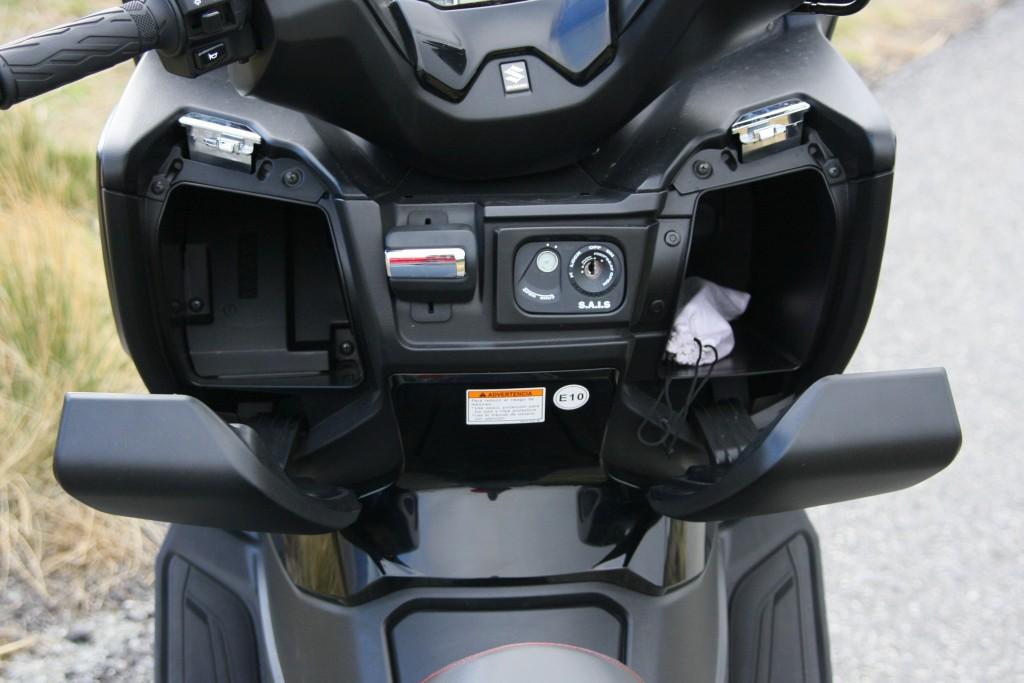 Suzuki Burgman 400 2017 prueba MotorADN (13)