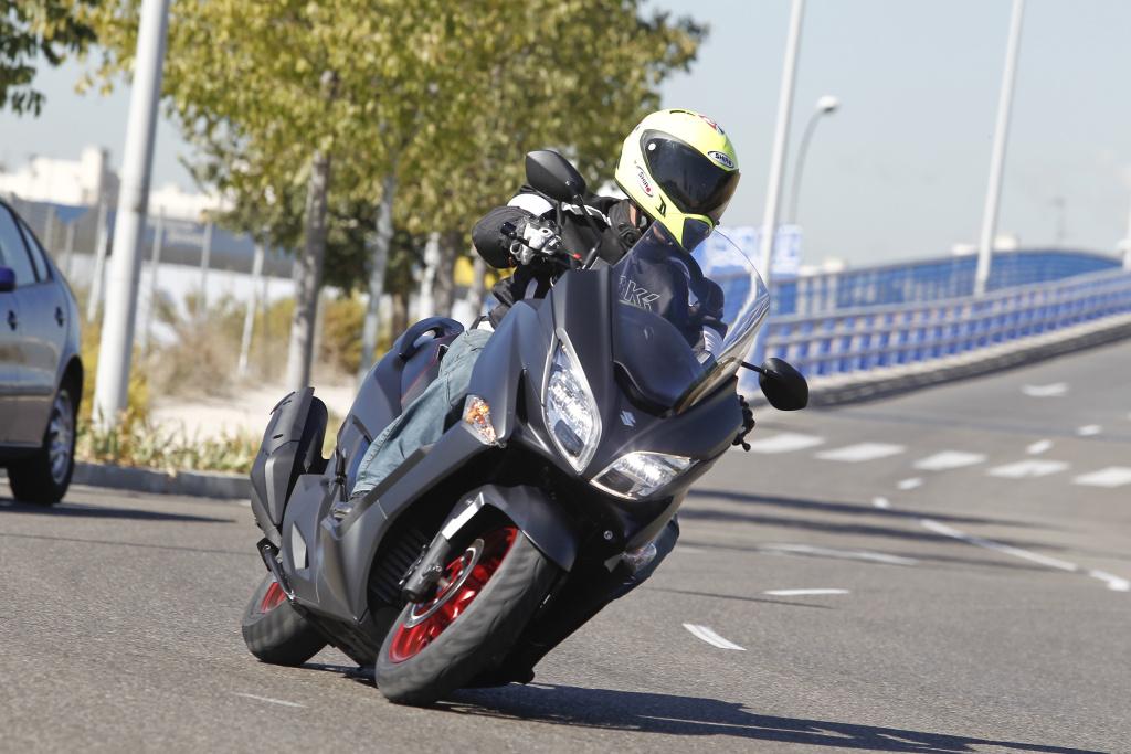 Suzuki Burgman 400 2017 prueba MotorADN (29)