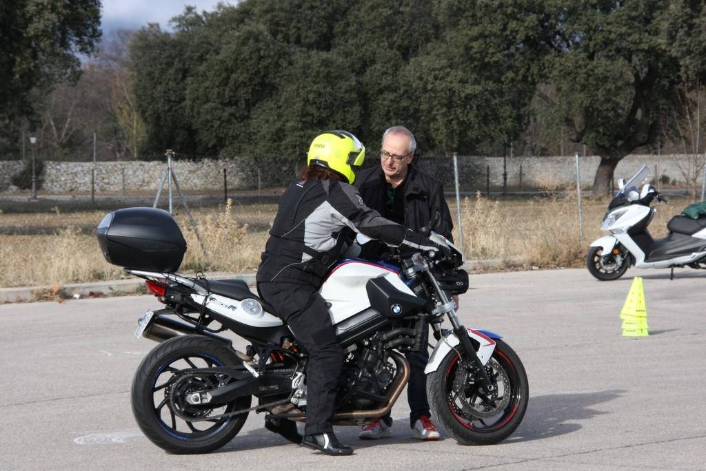 Curso de conducción segura RGP SCHOOL MOTORADN (10)
