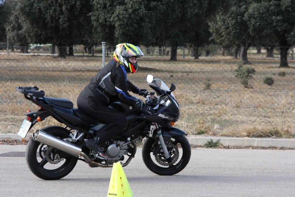 Curso de conducción segura RGP SCHOOL MOTORADN (11)