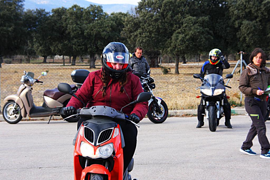Curso de conducción segura RGP SCHOOL MOTORADN (19)