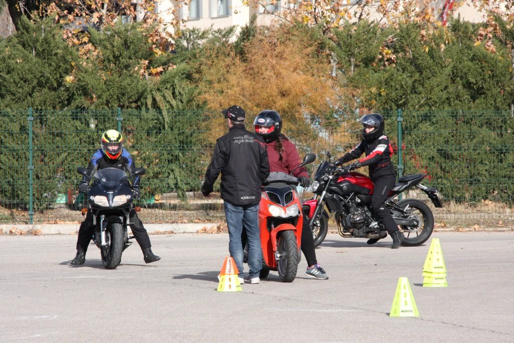 Curso de conducción segura RGP SCHOOL MOTORADN (20)