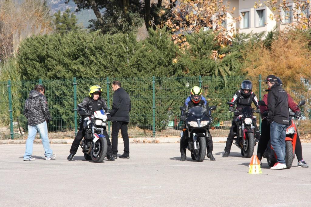 Curso de conducción segura RGP SCHOOL MOTORADN (21)