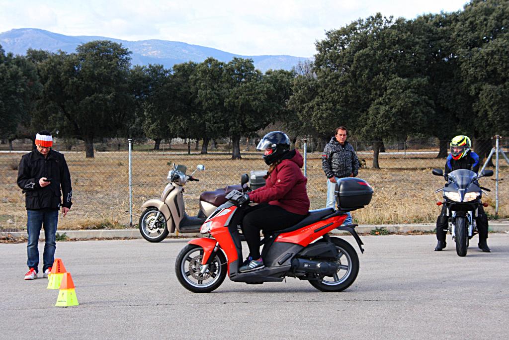 Curso de conducción segura RGP SCHOOL MOTORADN (22)