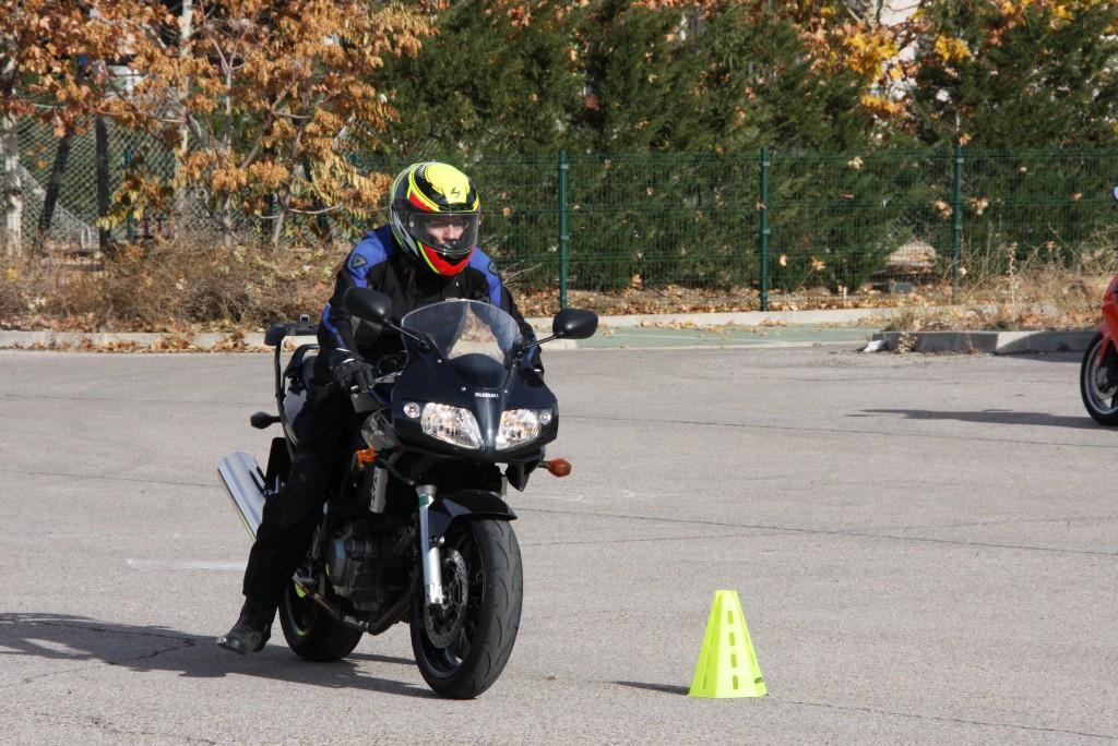 Curso de conducción segura RGP SCHOOL MOTORADN (23)