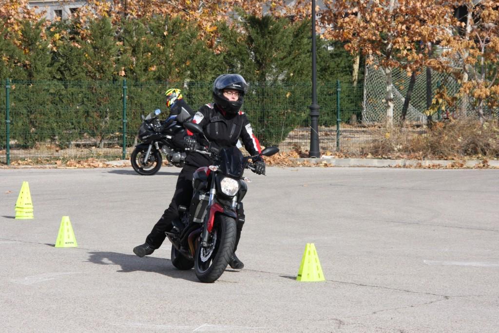 Curso de conducción segura RGP SCHOOL MOTORADN (24)