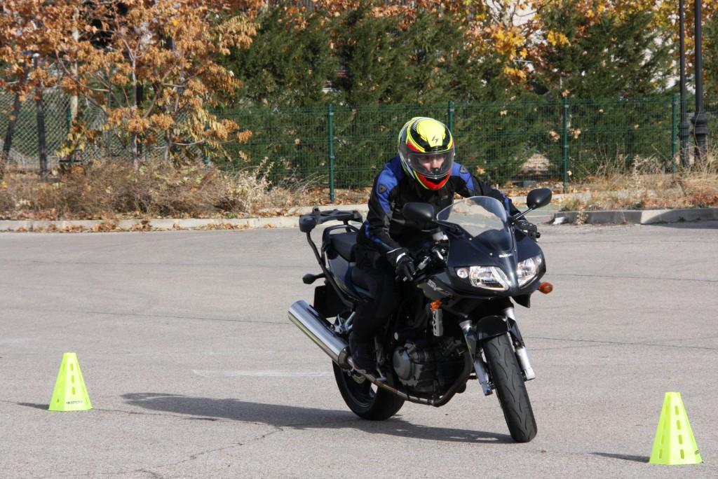 Curso de conducción segura RGP SCHOOL MOTORADN (26)