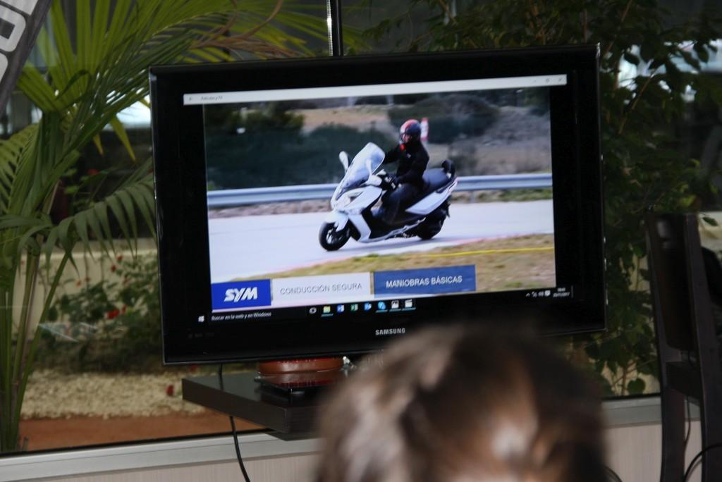 Curso de conducción segura RGP SCHOOL MOTORADN (29)