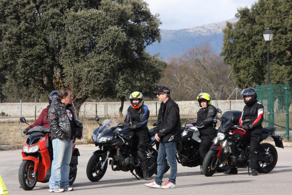 Curso de conducción segura RGP SCHOOL MOTORADN (38)