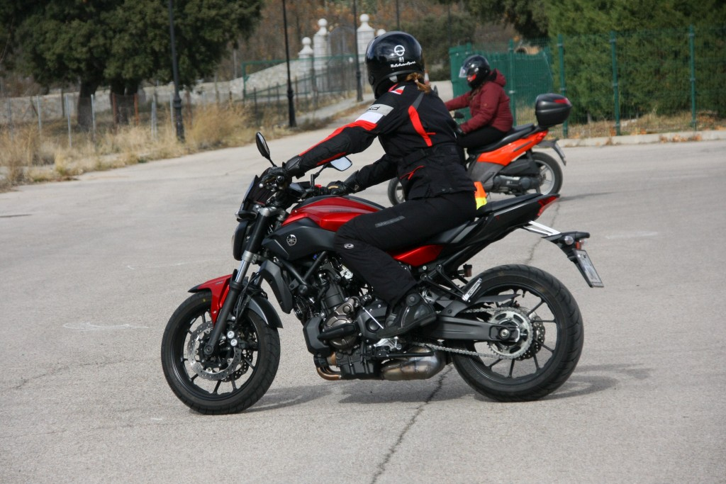 Curso de conducción segura RGP SCHOOL MOTORADN (39)
