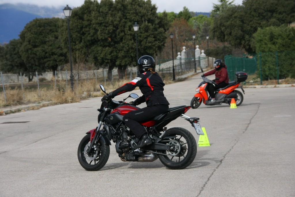 Curso de conducción segura RGP SCHOOL MOTORADN (40)