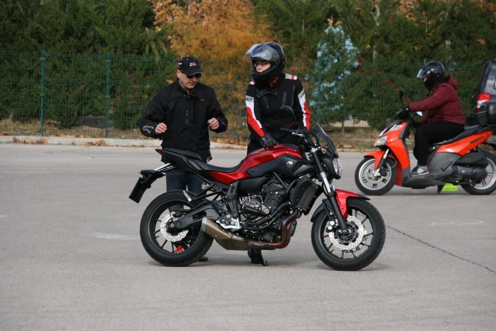 Curso de conducción segura RGP SCHOOL MOTORADN (42)