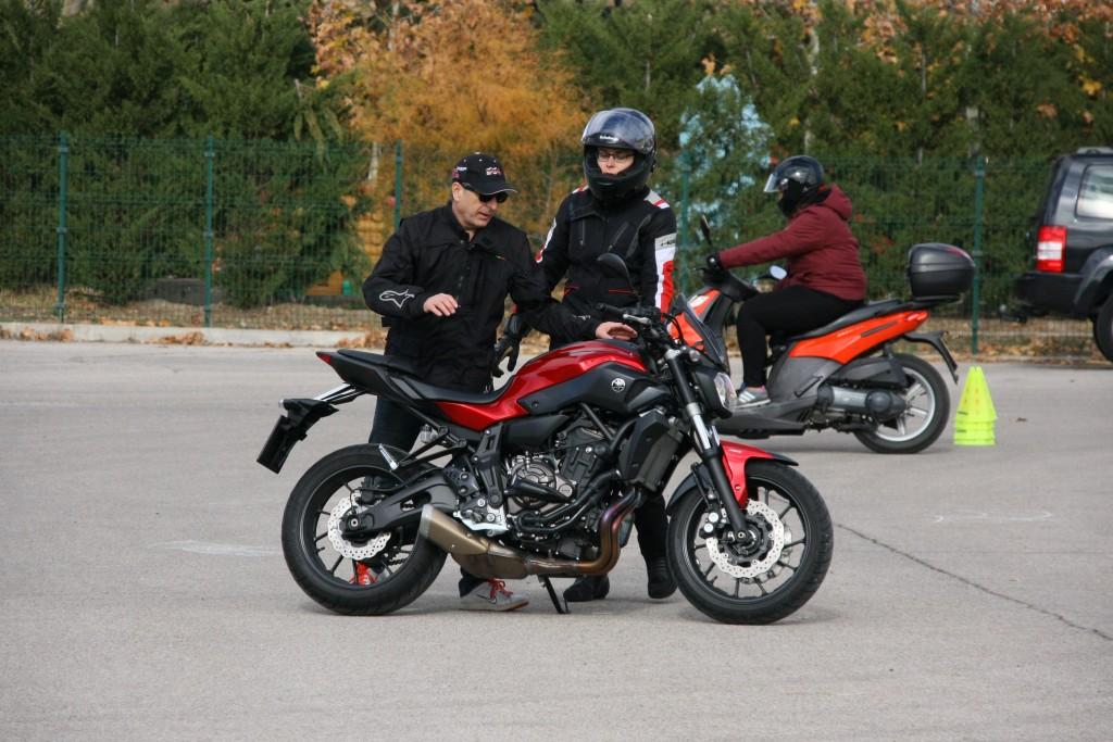 Curso de conducción segura RGP SCHOOL MOTORADN (43)