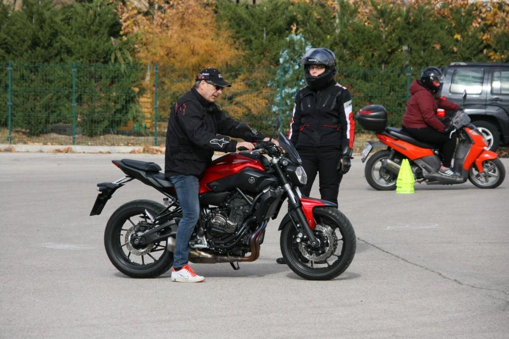 Curso de conducción segura RGP SCHOOL MOTORADN (46)