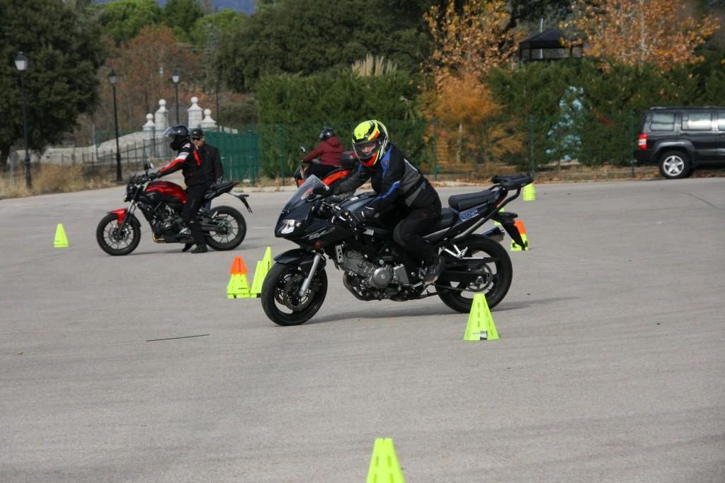 Curso de conducción segura RGP SCHOOL MOTORADN (47)