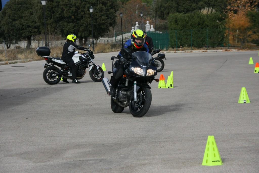 Curso de conducción segura RGP SCHOOL MOTORADN (49)