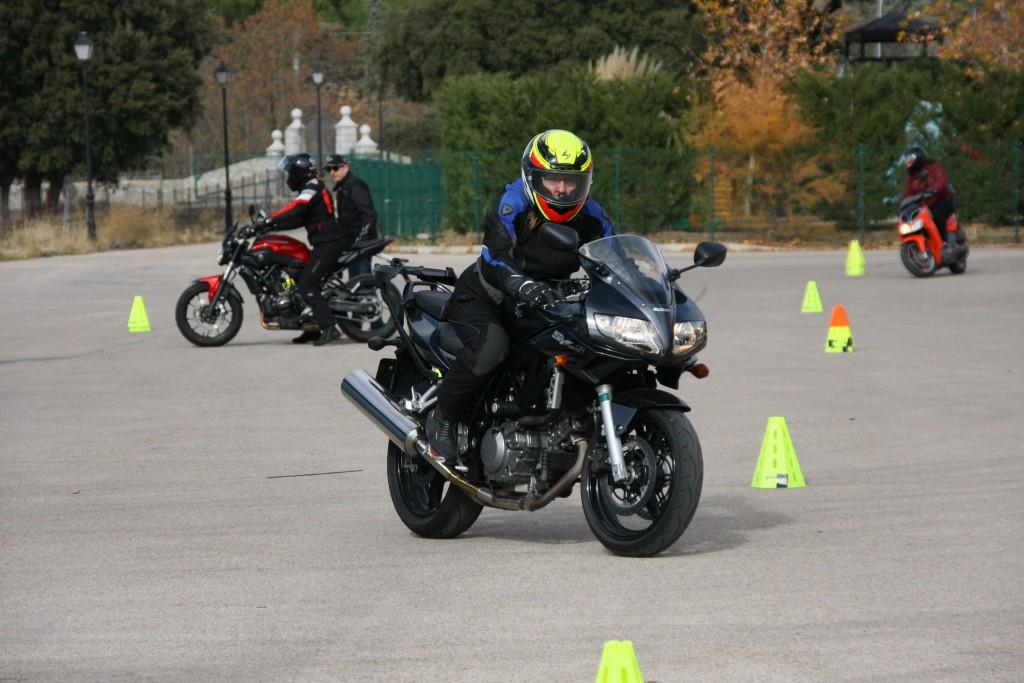 Curso de conducción segura RGP SCHOOL MOTORADN (52)