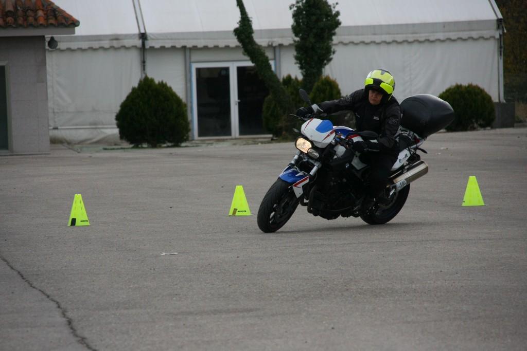 Curso de conducción segura RGP SCHOOL MOTORADN (58)