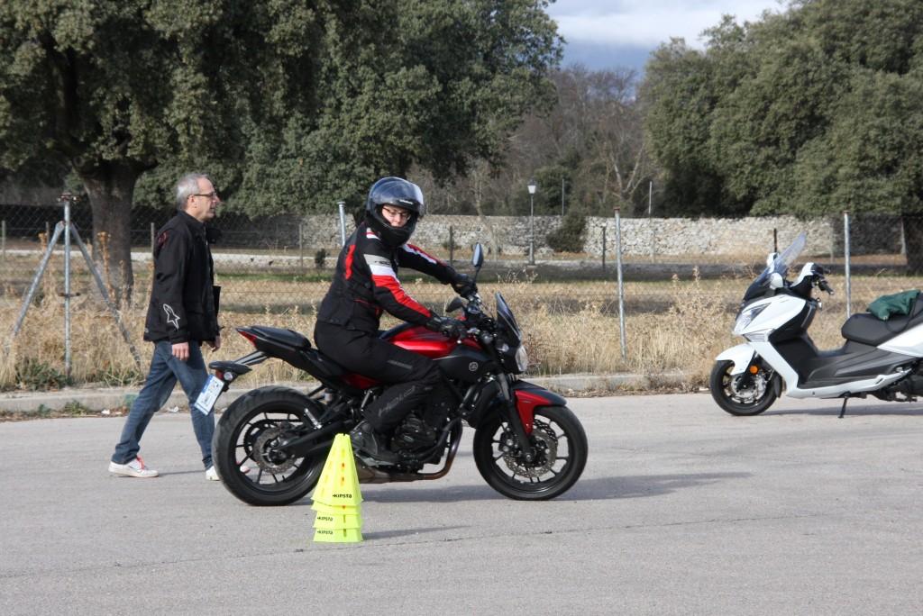 Curso de conducción segura RGP SCHOOL MOTORADN (6)