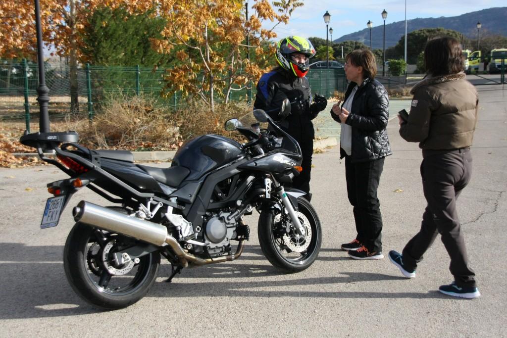 Curso de conducción segura RGP SCHOOL MOTORADN (77)