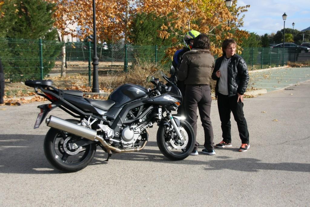Curso de conducción segura RGP SCHOOL MOTORADN (81)