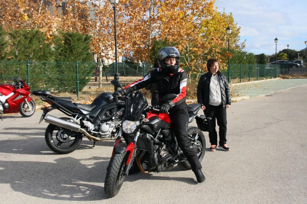 Curso de conducción segura RGP SCHOOL MOTORADN (83)