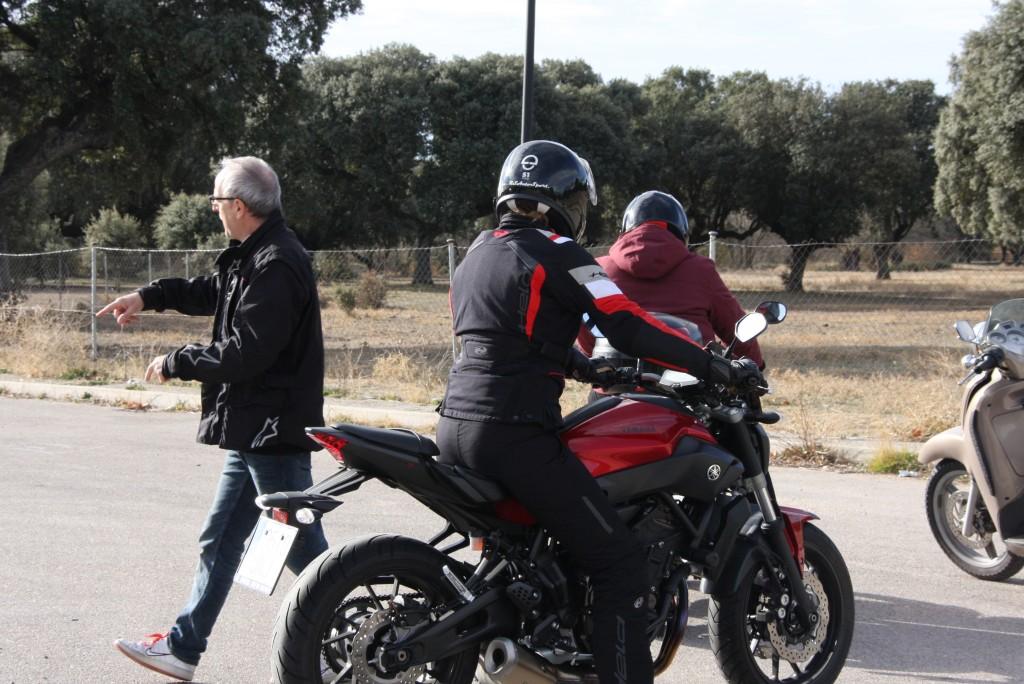 Curso de conducción segura RGP SCHOOL MOTORADN (85)