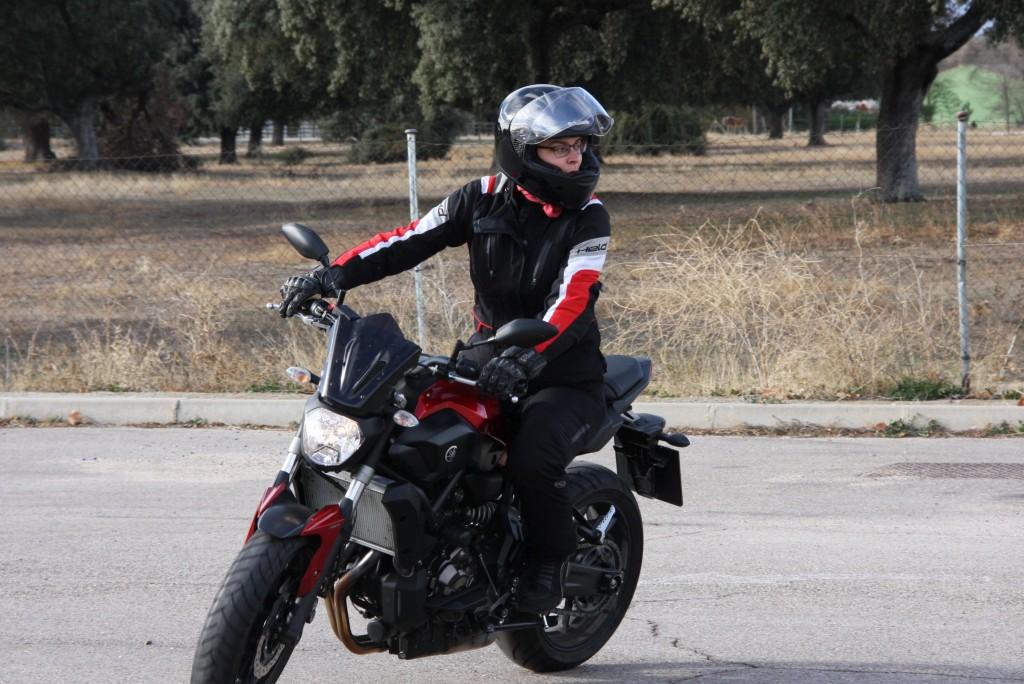 Curso de conducción segura RGP SCHOOL MOTORADN (87)