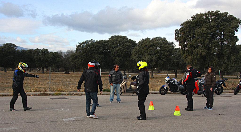 Curso de conducción segura RGP SCHOOL MOTORADN (88)
