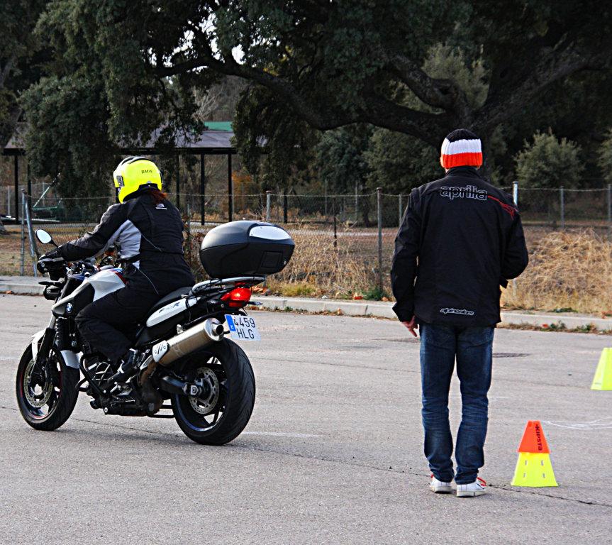 Curso de conducción segura RGP SCHOOL MOTORADN (90)
