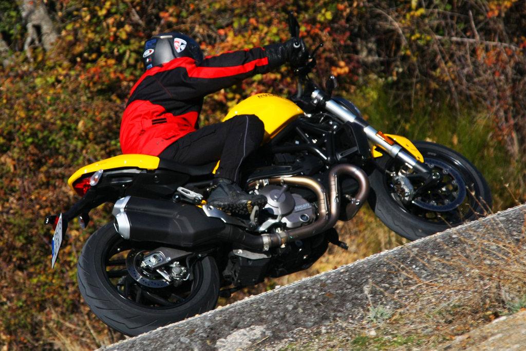 Ducati Monster 821 2018 prueba MotorADN (1)