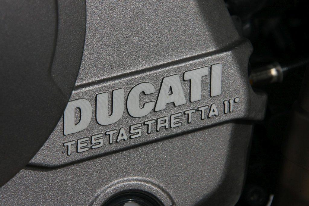 Ducati Monster 821 2018 prueba MotorADN (14)