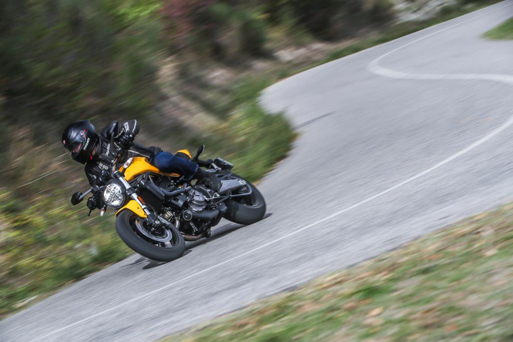 Ducati Monster 821 2018 prueba MotorADN (51)